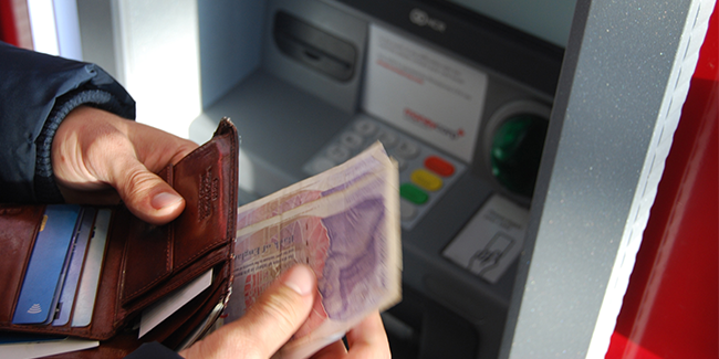 Almost a quarter of bank branches in Wales have closed over 10 years